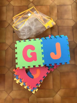 Alfombra de letras