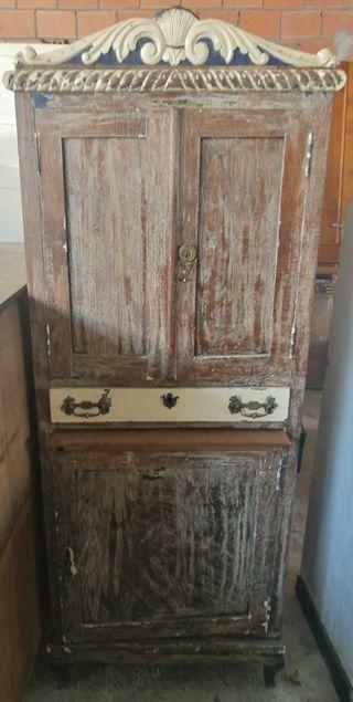 Precioso mueble de madera restaurado