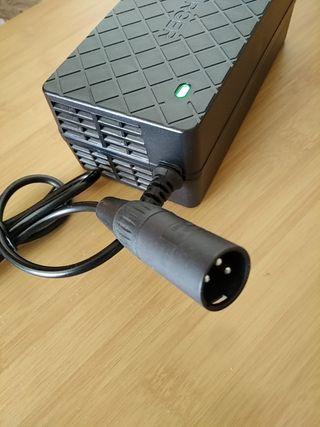 Cargador batería 36V ácido gel plomo
