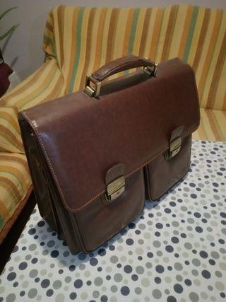 maletín portadocumentos de piel marrón