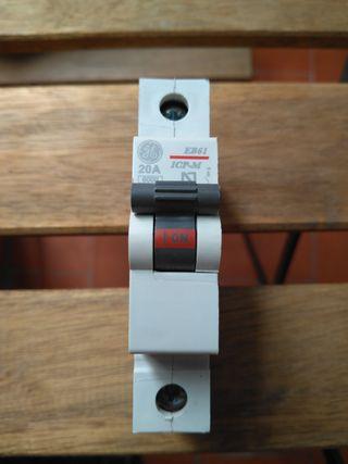 Interruptor de control de potencia ICP-M 1P 20A