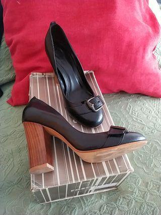 Zapato negro tacón 10cm FOSCO T38