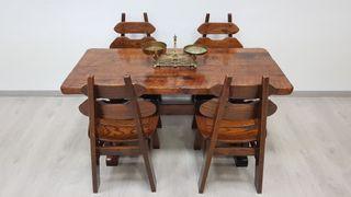 Mesa Maciza Antigua con 4 sillas A Juego