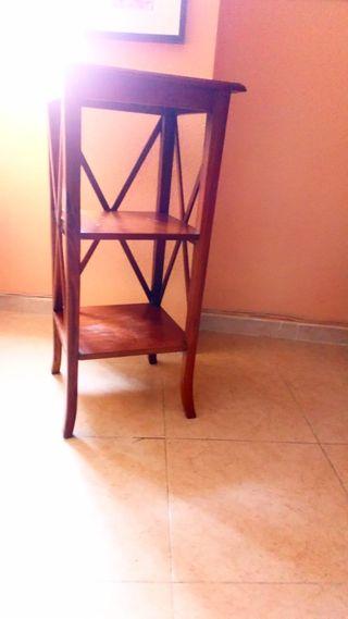 mesa auxiliar salón color madera nogal