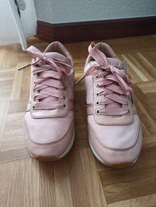 zapatilla deportiva rosa palo stradivarius