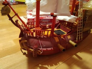 Barco pirata de juguete