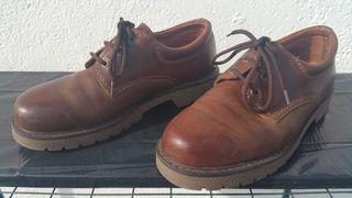 Zapatos artesanales, de cuero, número 43