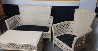 juego de sillón ,sofá y mesita