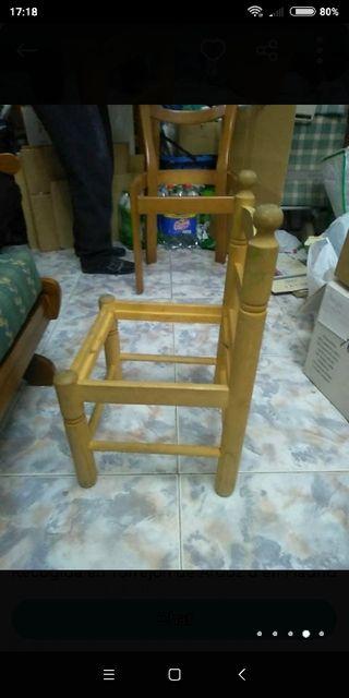 Silla de madera infantil para restaurar