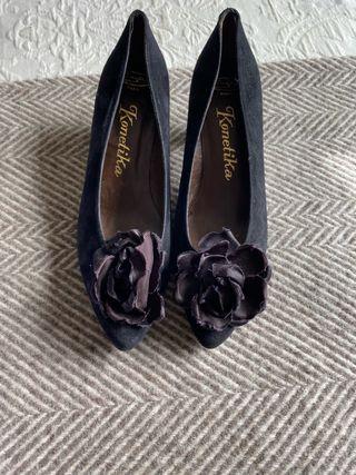 Zapatos negros de ante. Talla 38,5