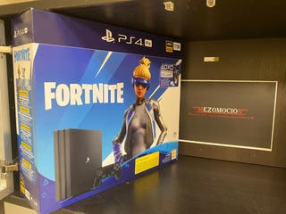 PRECINTADA PS4 1 TB + FORTNITE