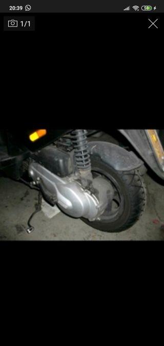 motor piaggio zip