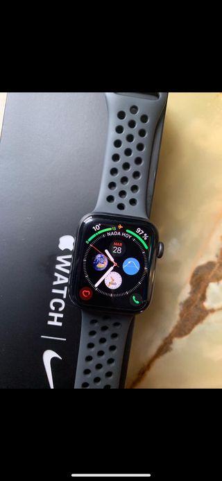 Apple Watch Series 4 cellular Nike