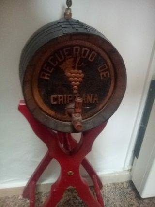 vendo barril antiguo de madera