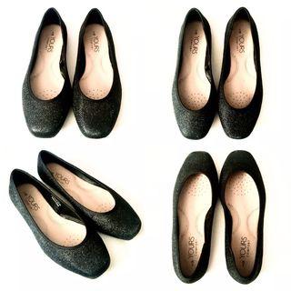 Black Glitter Ballerina Pumps (Size 5EEE)