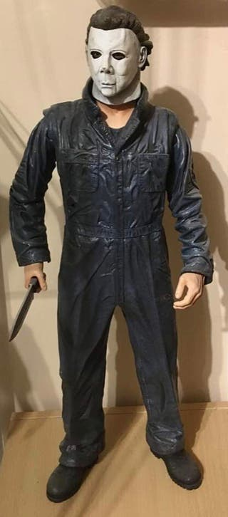 Neca 1/4 Scale Halloween Activated Motion Figure
