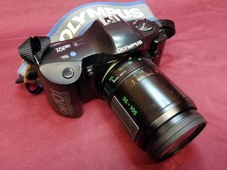 Cámara de fotos reflex analógica OLYMPUS OM 101