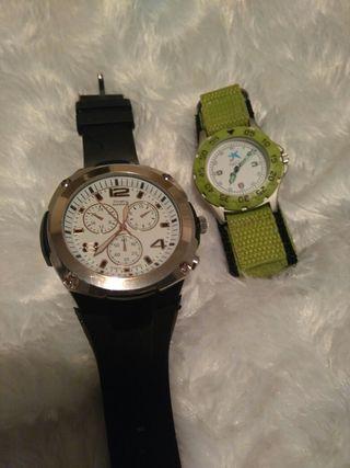 2 relojes con pilas nuevas