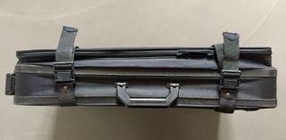 Valise noire à roulettes en toile polyester ultra