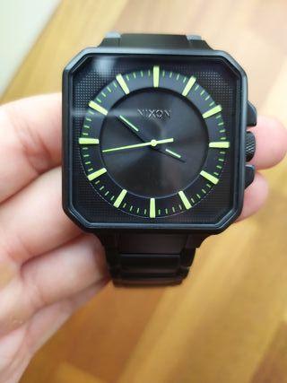 reloj NIXON casi nuevo