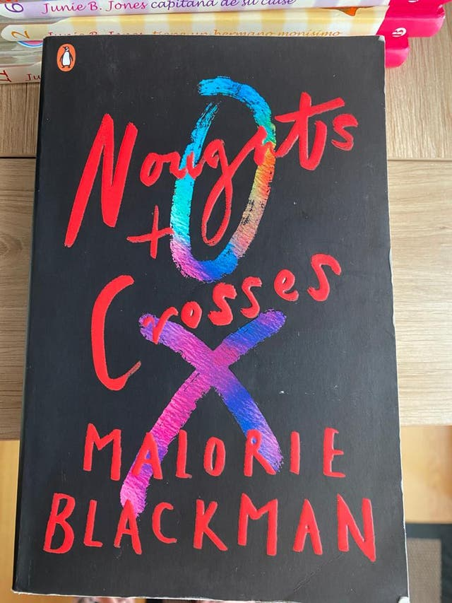 Libro Noughts and Crosses