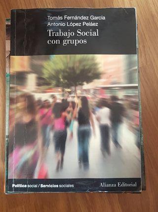 Trabajo social con grupos UNED