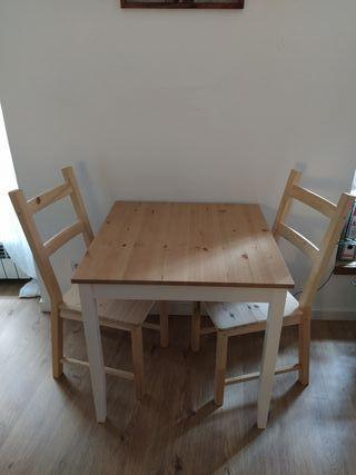 Set de mesa y dos sillas IKEA