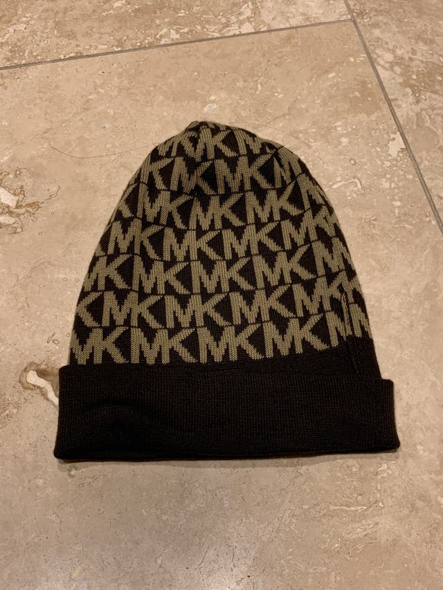 Micheal kors hat and scarf set