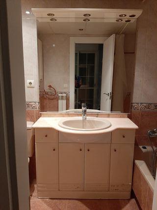 baño completo lavabo marmol espejo grande con luz