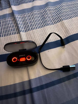 Groove wireless earphones