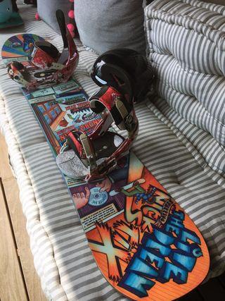 Tabla de Snowboard marca BURTON con fijaciones