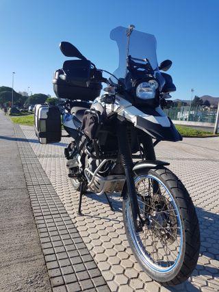MOTO GS 650 SERTAO
