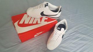 Zapatillas Nike Classic Cortez (Talla 40, unisex)