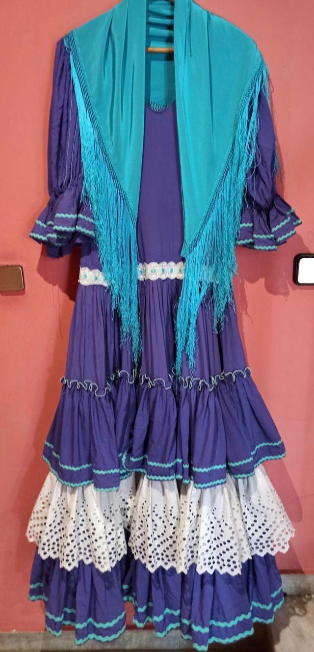 Traje flamenca estilo antiguo