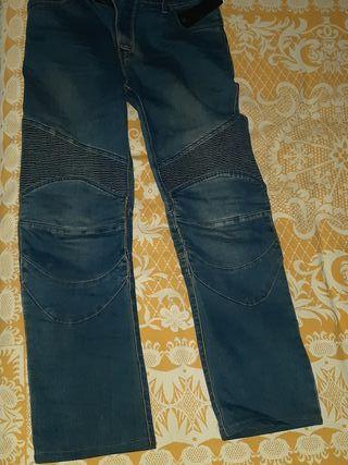 vaquero moto jeans y regalo