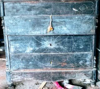 Armario y cómoda antiguos para restaurar