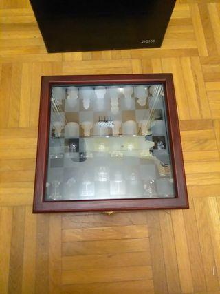 Juego de ajedrez de madera y cristal cuadrado nuev
