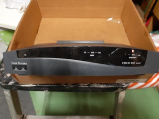 Router Cisco 800