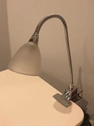 Pequeña lámpara de lectura