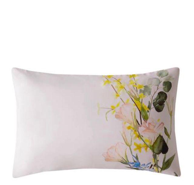 Ted Baker Elegant Pair of Pillowcases