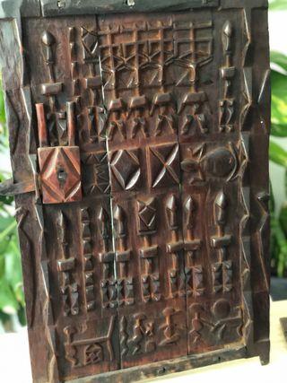 Puerta africana dogon