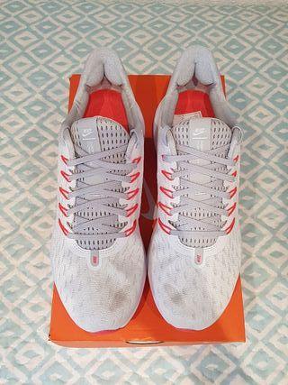 Nike Air Zoom Vomero 14 blancas