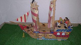 Barco Pirata con Complementos