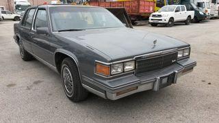 Cadillac Fleetwood Año 1986 histórico