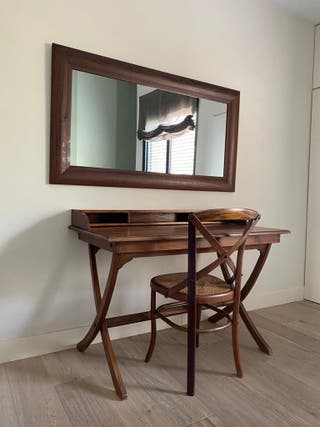 Escritorio colonial + silla + espejo