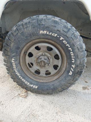 bf goodrich mud terrain 235.85.16