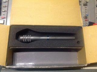 Micrófono AudioTechnica ATM33a