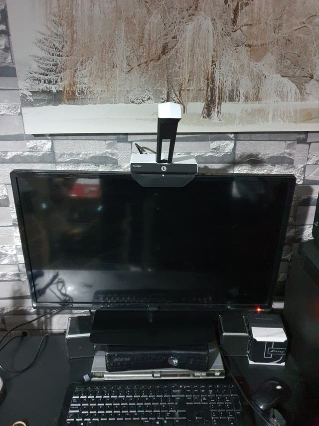 TV to a smart touchscreen TV (Touchjet wave)