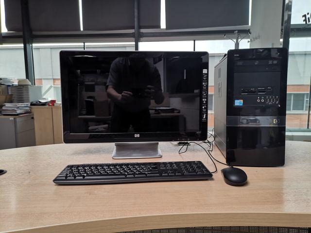 "PC HP I5 SSD 256 Gb Pantalla 23"", teclado, mouse"