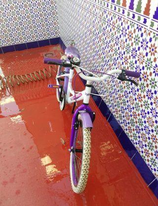 """Bicicleta niña 20"""" de 6 a 10 años"""